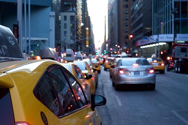 taxi-1209542_640