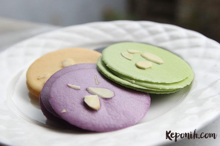 Green Tea Almond Crackers
