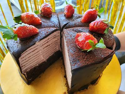strawberry crepe cake di cirebon ada di bakery cirebon