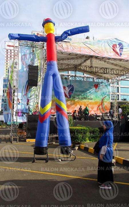 balon menari di sebuah acara