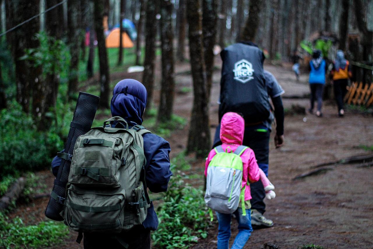 Tas ransel berjenis carrier digunakan untuk hiking dan aktifitas mendaki gunung